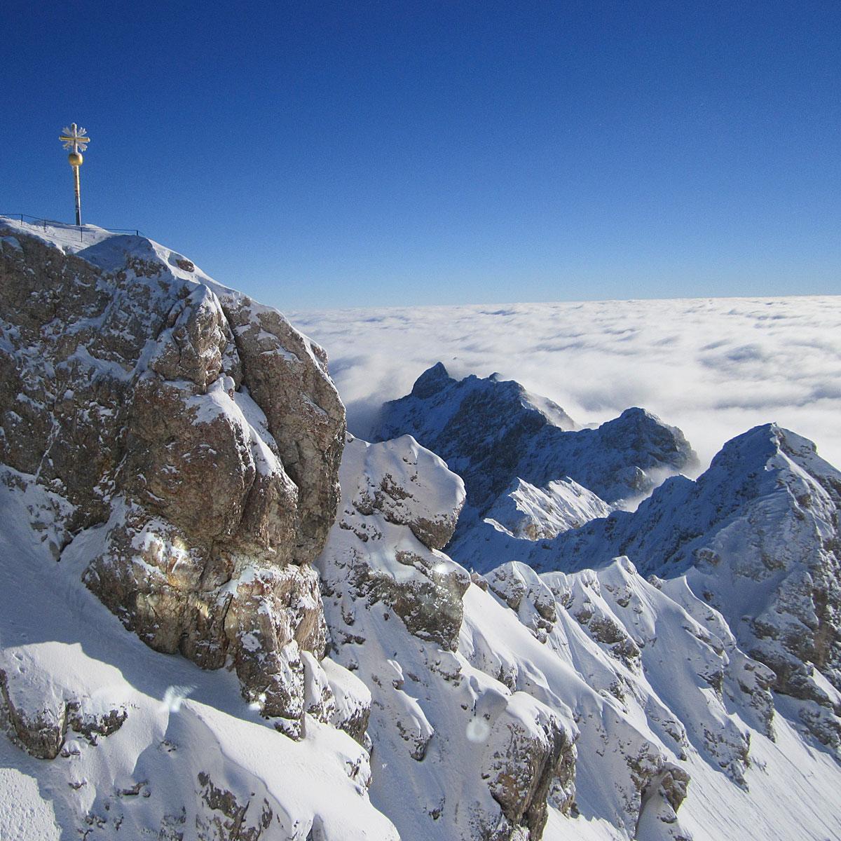 Artikelbild Sommerwanderung Schneeballschlacht Zugspitze