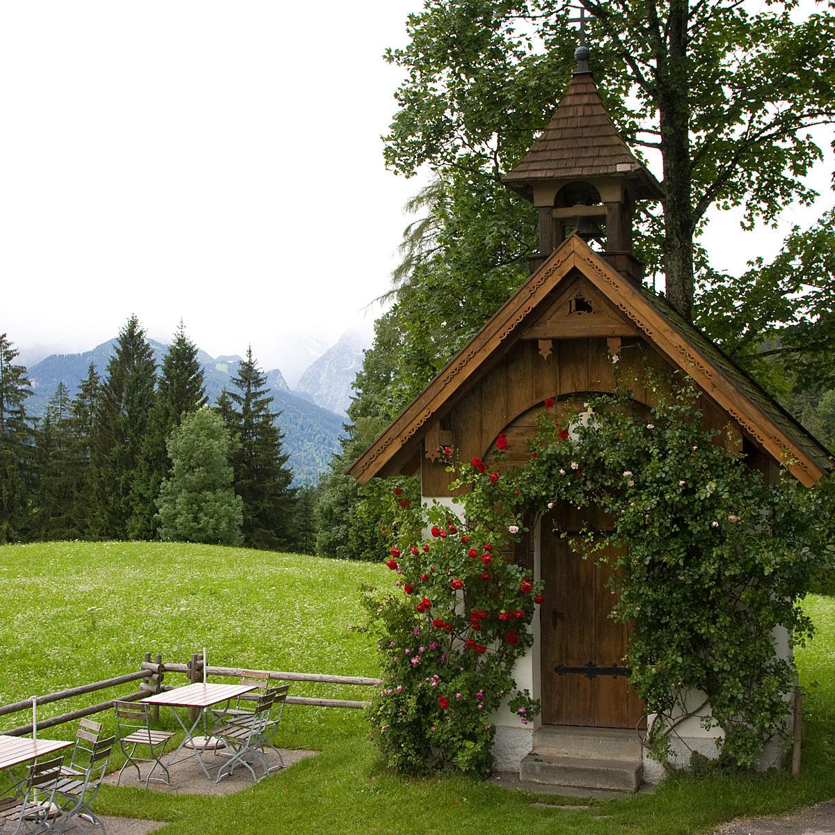 Artikelbild Tageswanderung blühende Almwiesen mit Kapelle