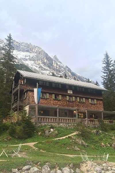 Artikelbild Reintalangerhütte im Zugspitzgebiet