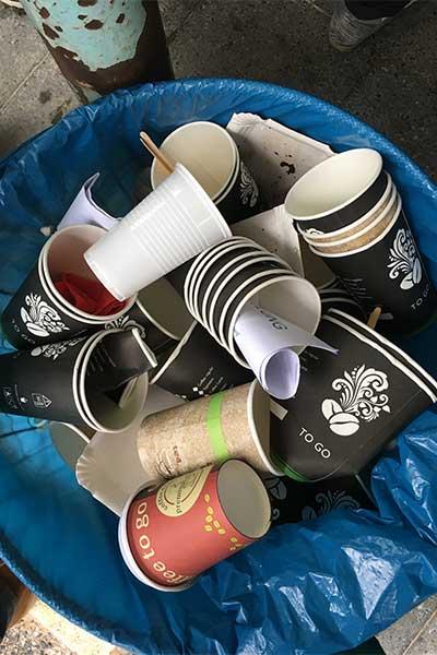 Artikel Umweltschmutz durch Coffee-to-go-Becher